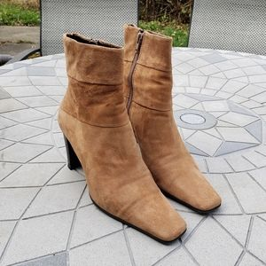 Bandolino B-Dwayne Suede Camel Ankle Boots 7